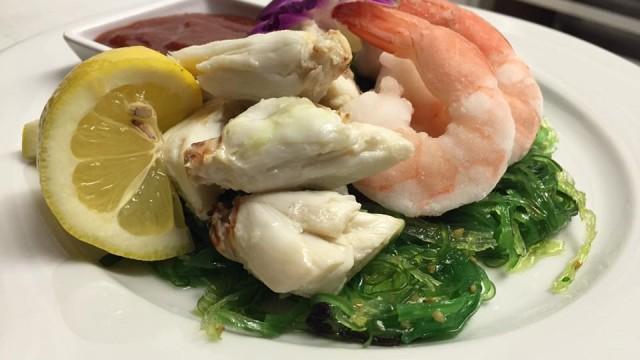 Colassal Crab & chilled Poached Shrimp